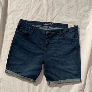 "Universal Thread Size 26W Inseam 9"" Bermuda Shorts"